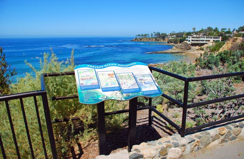 Cartello informativo nel parco di Heisler, Laguna Beach, fotografie stock