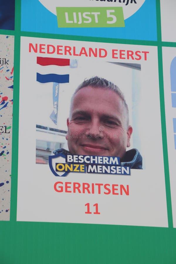 Cartellone elettorale pre stampato del gruppo nazionalistico che chiama il eerst Paesi Bassi di Nederland in primo luogo fotografia stock