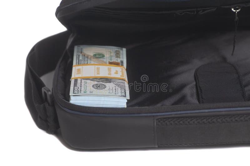 Cartera abierta con cientos billetes de dólar imagen de archivo