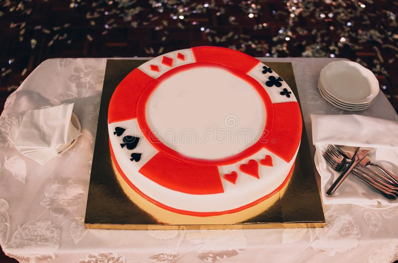 Cartes de fête de tisonnier de style de casino de décoration de gâteau photographie stock