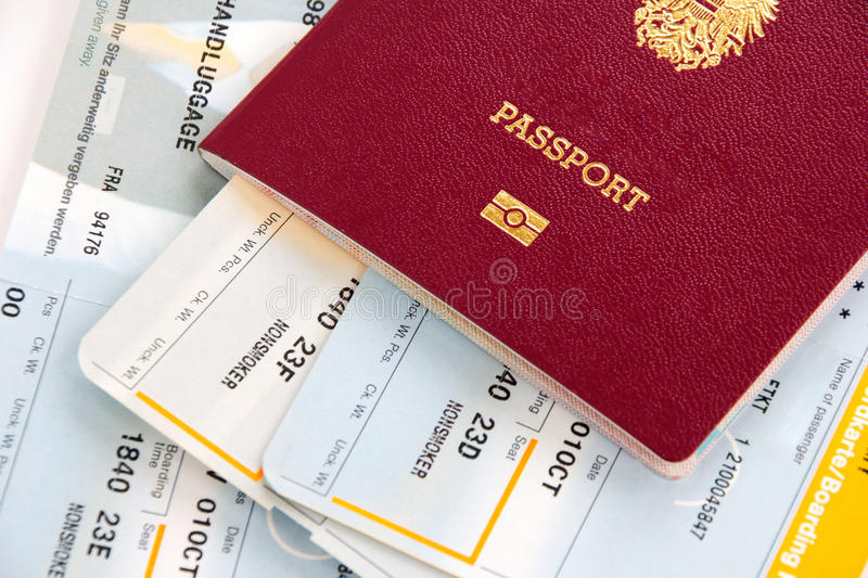Cartes de passeport et d'embarquement photographie stock