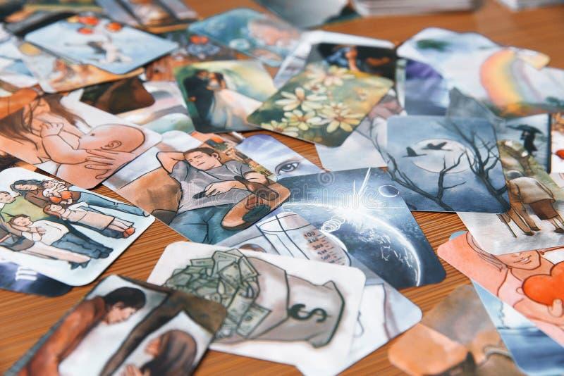 Cartes de tarot mystiques image stock