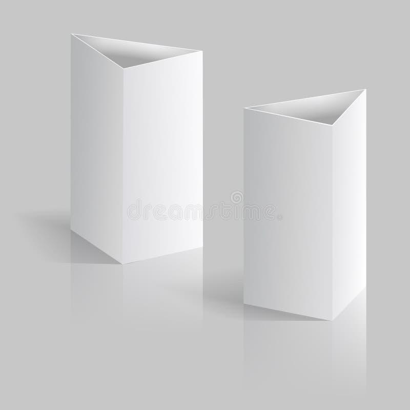 Cartes verticales de triangle de tente blanche de table vide d'isolement sur le fond gris illustration stock