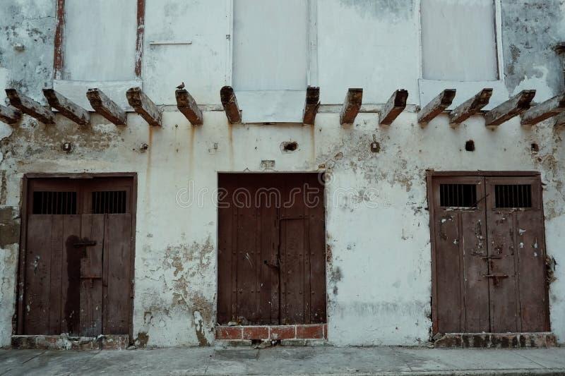 Carthagène/Colombie - 19 MARS 2016 : bâtiment classique d'héritage historique typique à l'intérieur de la vieille ville photographie stock libre de droits