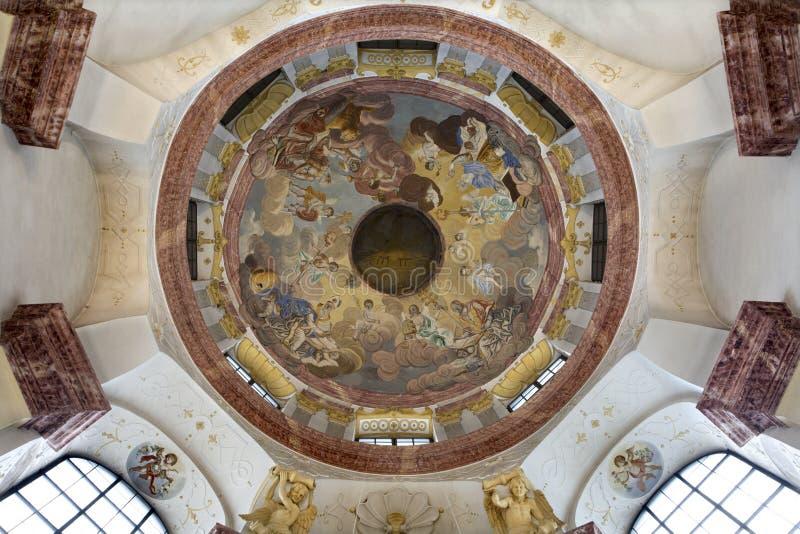 carthusian разыгрыш куполка монастыря поздно стоковые изображения