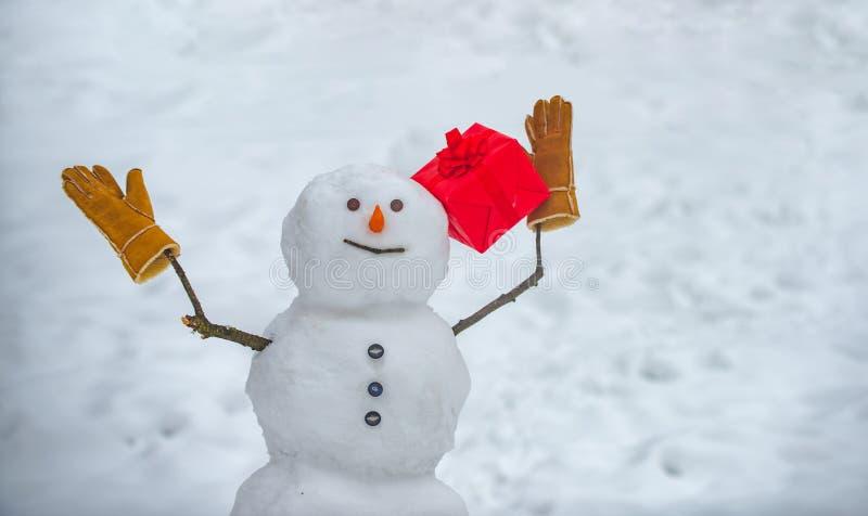 Cartolina d'auguri anno felice di nuovo e di Buon Natale Art Greeting Card festivo Insegna del nuovo anno Pupazzi di neve - prese fotografie stock