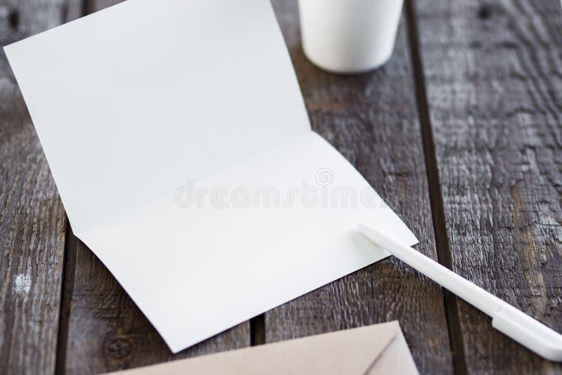 Cartolina d'auguri in bianco dell'invito fotografia stock libera da diritti