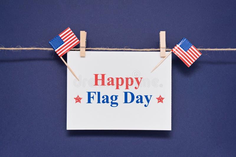 Cartolina d'auguri con il giorno della bandiera felice di U.S.A. del testo per il 14 giugno fotografie stock