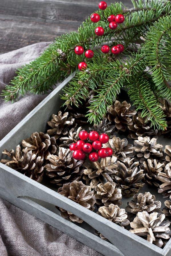 Cartolina di Natale con la composizione in festa immagini stock libere da diritti