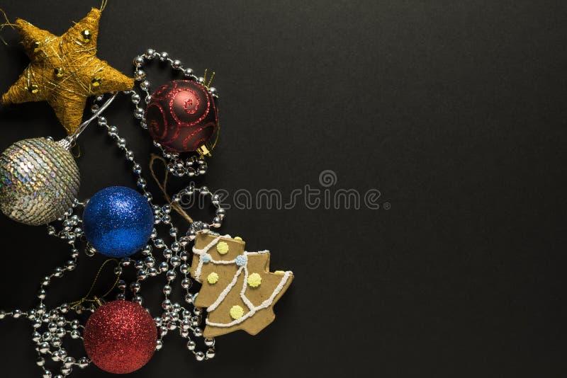 Cartolina di Natale con le decorazioni fotografie stock