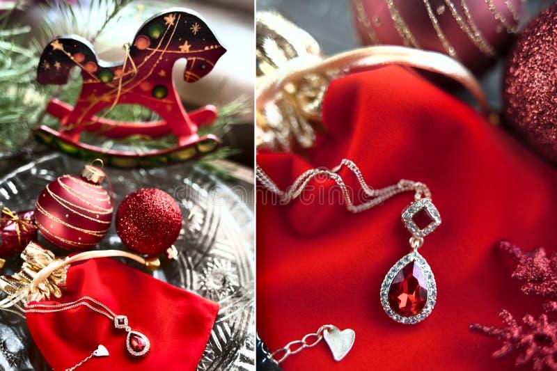 Cartolina di Natale nei toni rossi Tema dei regali per il nuovo anno immagini stock libere da diritti