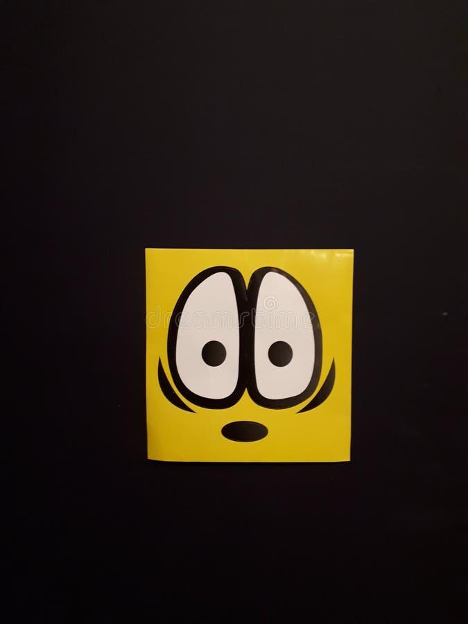 Cartoonish ögon och ett mycket chockat framsidauttryck arkivbild