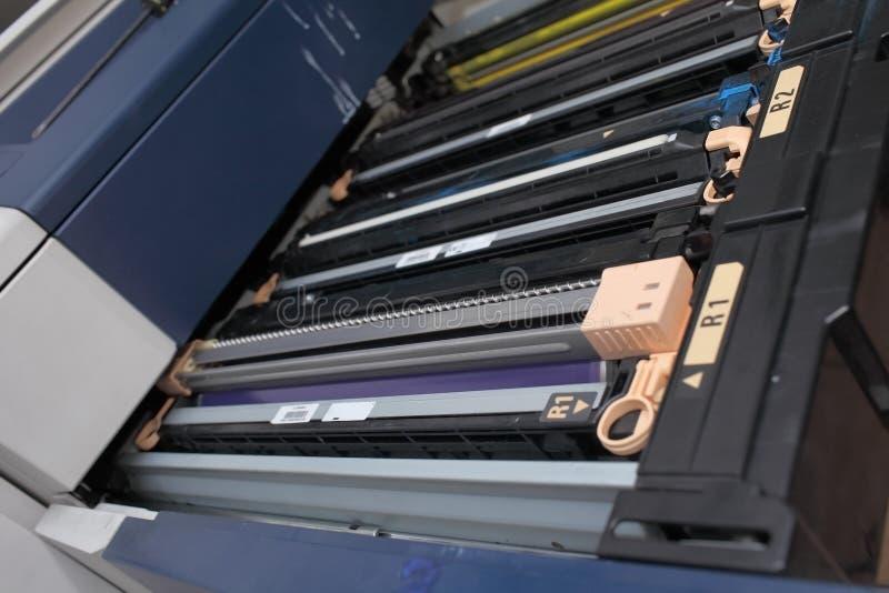 Cartouche de toner dans l'imprimante industrielle images libres de droits