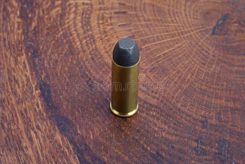 Cartuchos do revólver Período de 45 Cal Wild West imagens de stock royalty free
