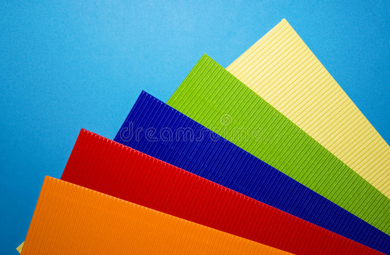 Cartulina coloreada acanalada imagen de archivo