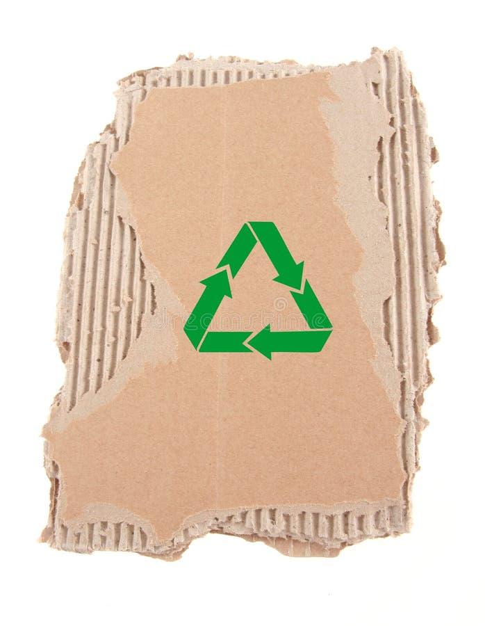 Cartulina dañada con el reciclaje de símbolo imágenes de archivo libres de regalías