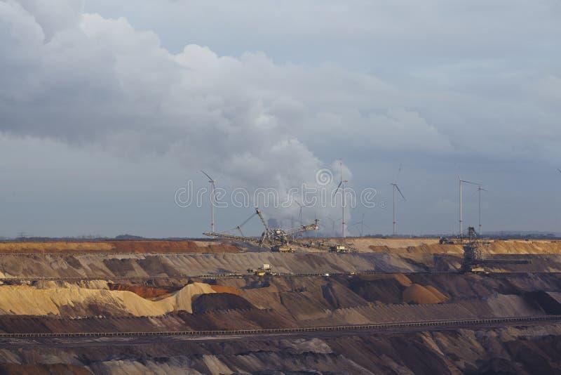 Carvão de Brown - mineração Opencast Garzweiler (Alemanha) fotografia de stock