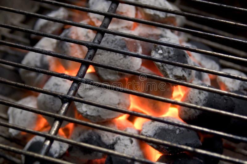 Carvão vegetal ardente fotos de stock royalty free