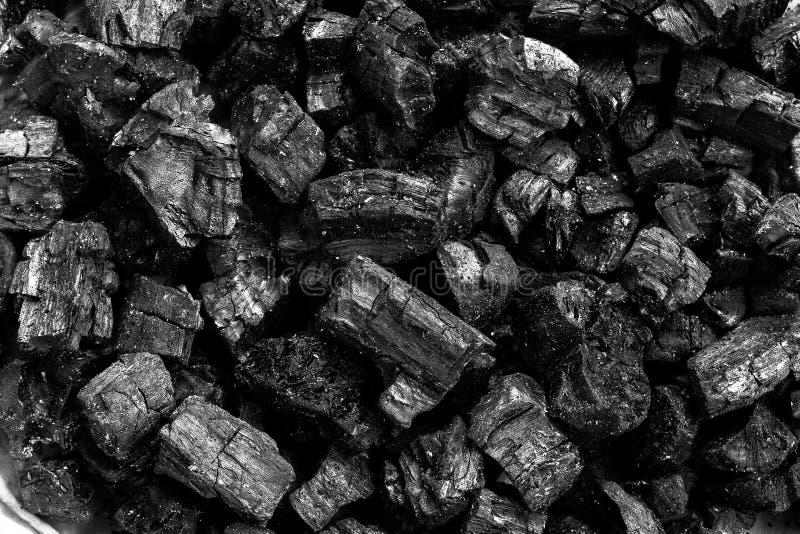 Carvão vegetal de madeira natural, carvão vegetal tradicional ou carvão vegetal de madeira duro Usado como o combustível para o c fotografia de stock royalty free