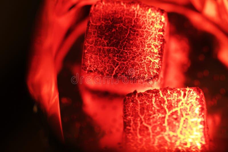 Carvões quentes do cachimbo de água imagem de stock