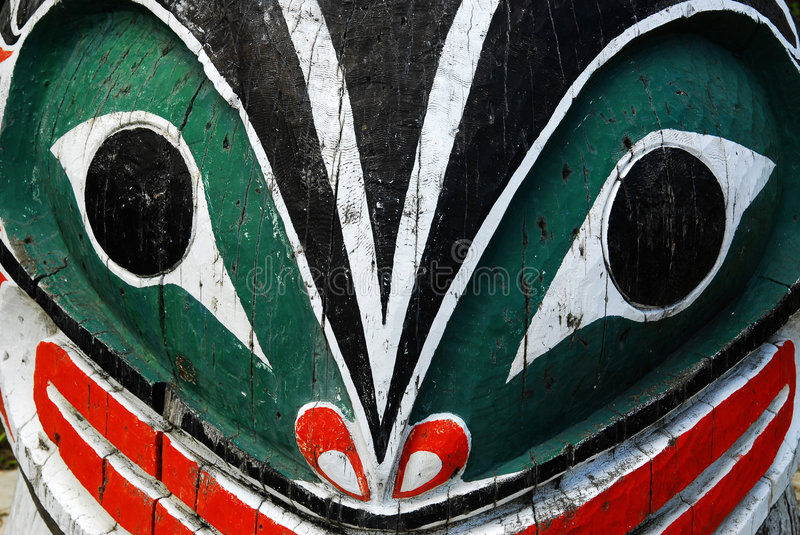Download Carving Face On Totem Pole Royalty Free Stock Images - Image: 5357249