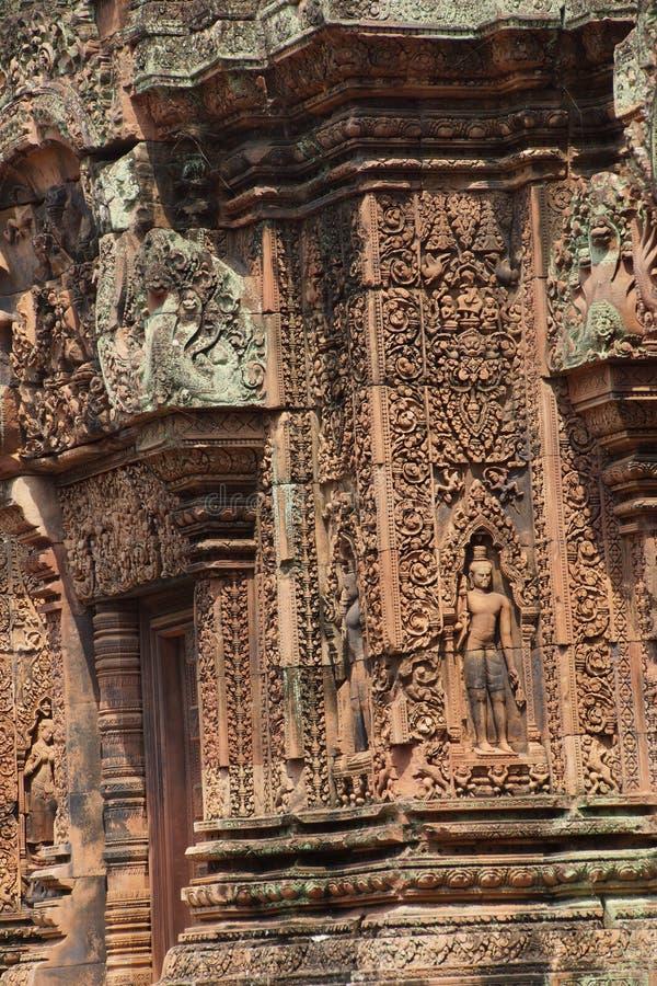Carvings de Banteay Srei foto de stock