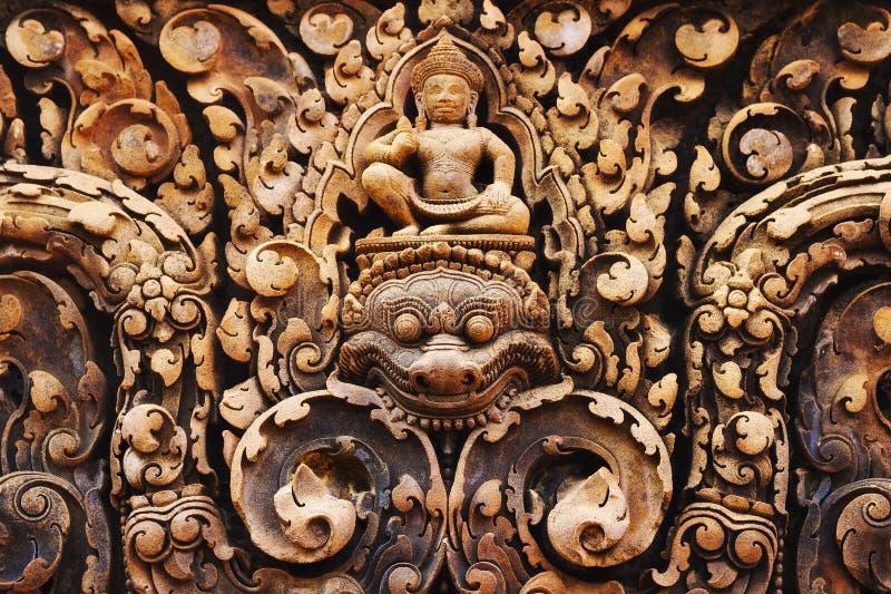 Carvings no templo de Banteay Srei, Angkor, Siem Reap, Camboja imagens de stock royalty free
