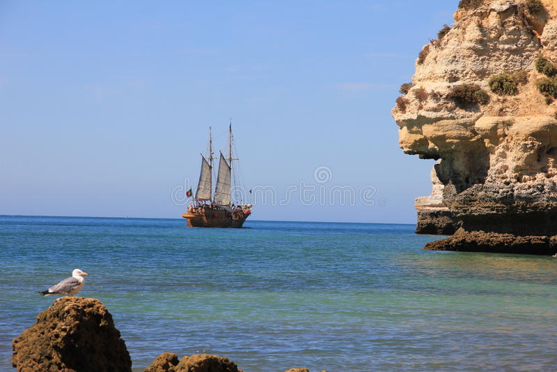 Carvoeiro portugais de bateau de Caravel image libre de droits