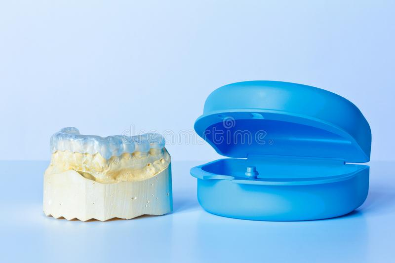 Cas modèle dentaire de garde de morcellement images libres de droits