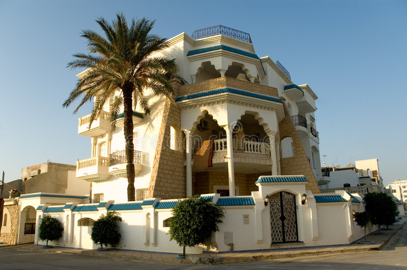 Casa árabe en la salida del sol, horizontal fotos de archivo libres de regalías