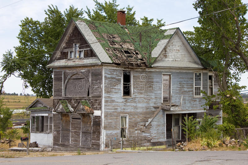 Casa abandonada do burdel do Victorian foto de stock