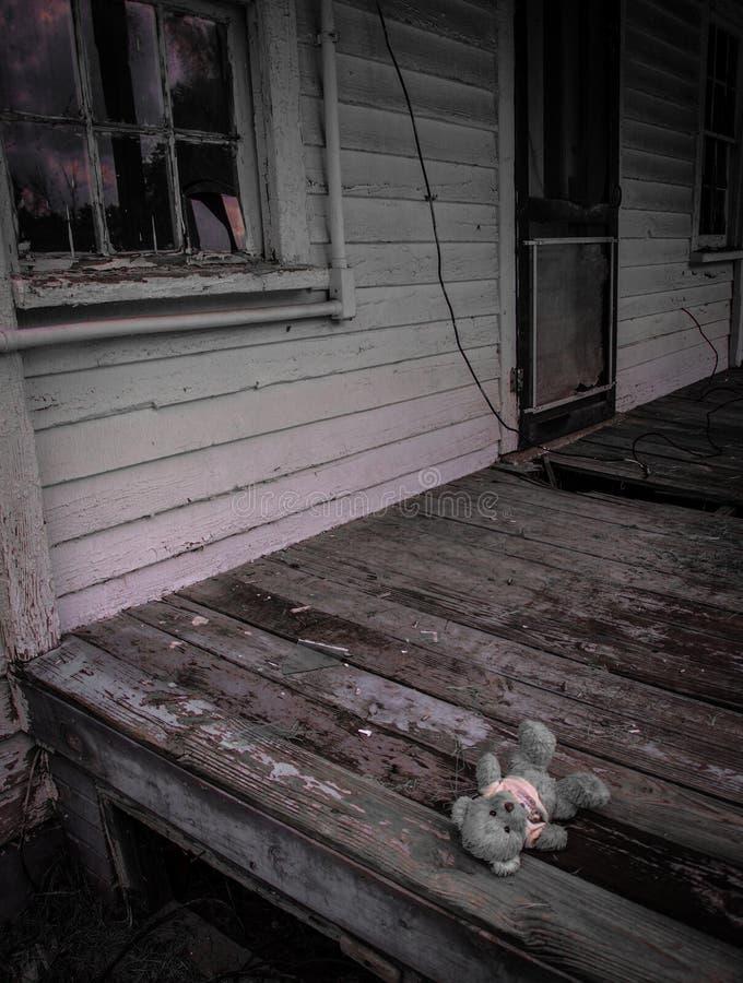 Casa abandonada do trabalhador do moinho na vila do moinho de algodão de Oakdale fotos de stock