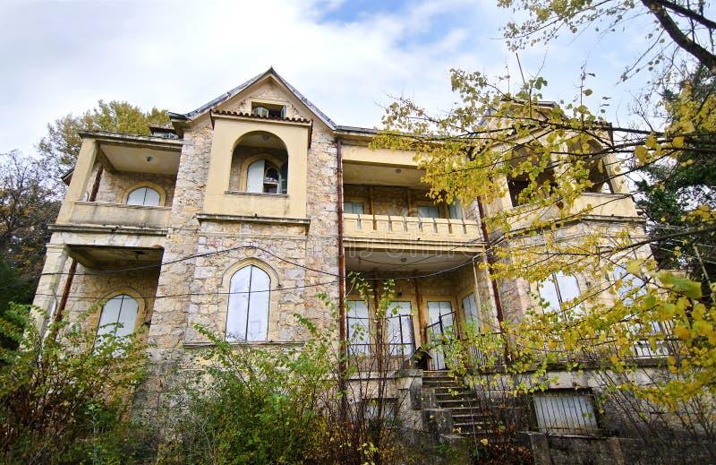 Casa abbandonata del palazzo di tatoi immagine stock for Migliori case di architettura