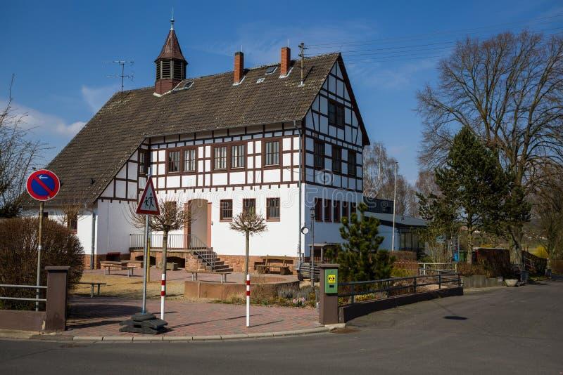 Casa alemana vieja de la escuela foto de archivo libre de regalías