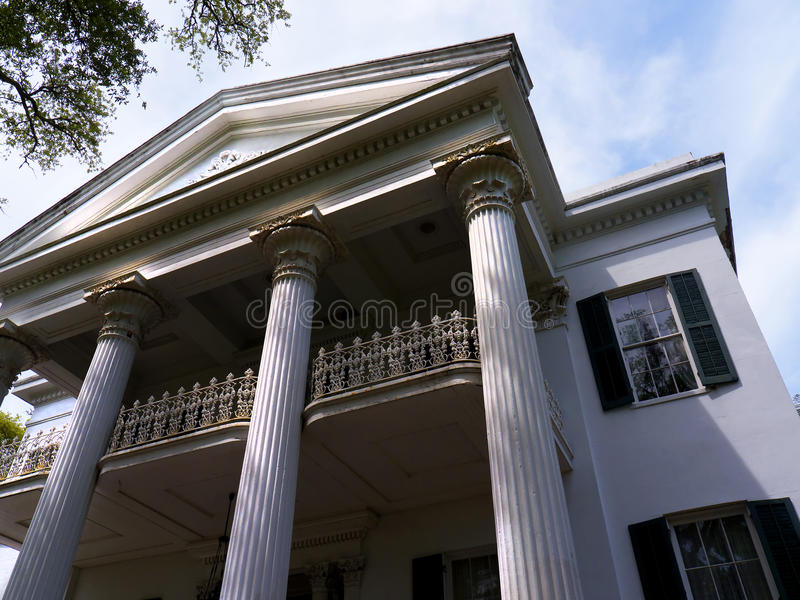 Casa Antebellum bonita em Natchez Mississippi nos EUA imagens de stock