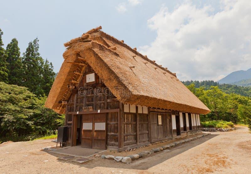 Casa anterior de Murase Tadamasa en el pueblo del estilo del gassho de Ogimachi, J foto de archivo
