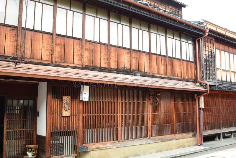 Casa antiga da gueixa no distrito do Chaya de Higashi Kanazawa Chubu jap?o imagem de stock