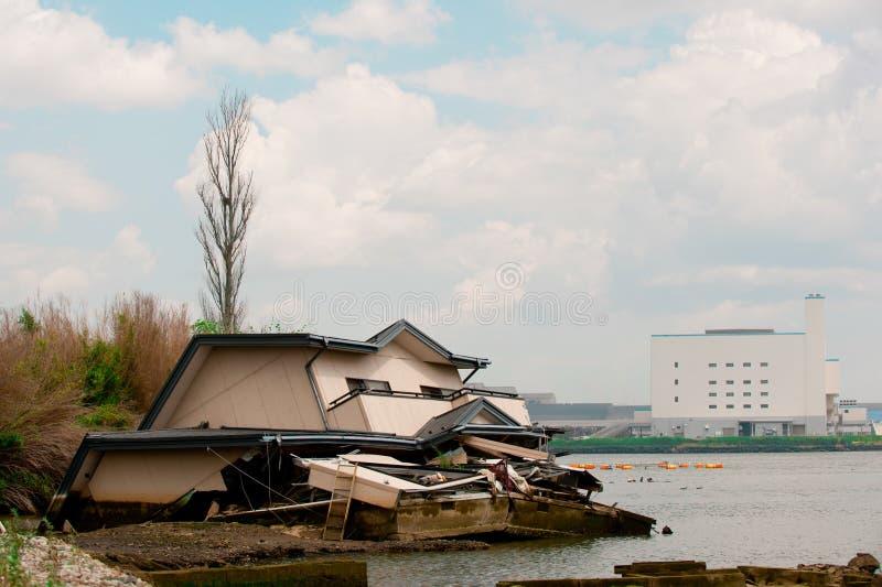 Casa após Fukushima Tsunami Disaster em Ishinomaki, Japão O desastre de Fukushima Tsunami aconteceu o 11 de março em 2011 foto de stock
