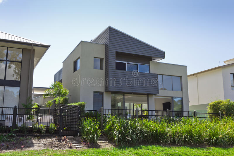 Casa australiana moderna imagens de stock royalty free