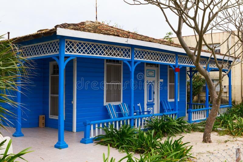 Casa azul imagem de stock