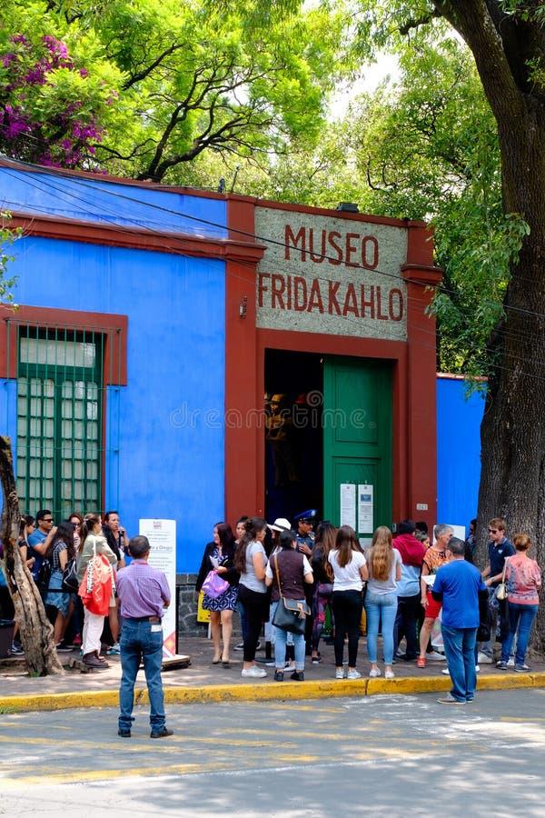 Casa Azul of Blauw Huis, het huis van Frida Kahlo en Diego Rivera in Mexico-City royalty-vrije stock afbeeldingen