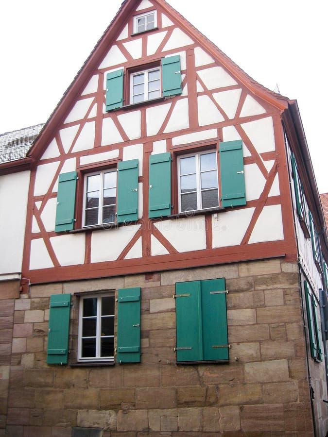 Casa bávara típica del fachwerk, Furth, Alemania fotografía de archivo