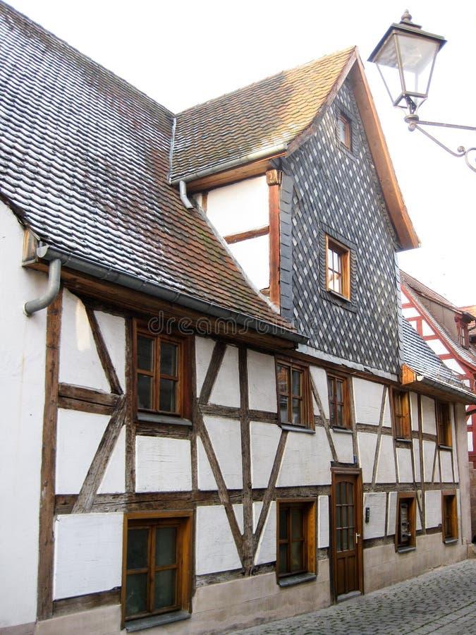 Casa bávara típica do fachwerk, Furth, Alemanha fotos de stock