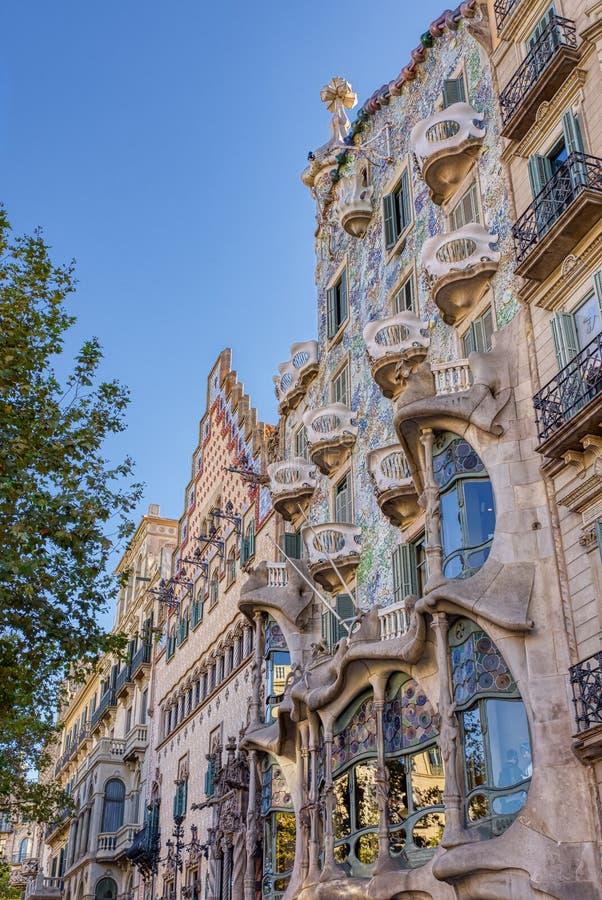 Casa Batlló är ett arbete av den berömda Catalan arkitekten Antonio Gaudi som lokaliseras i Barcelona, Spanien arkivbilder