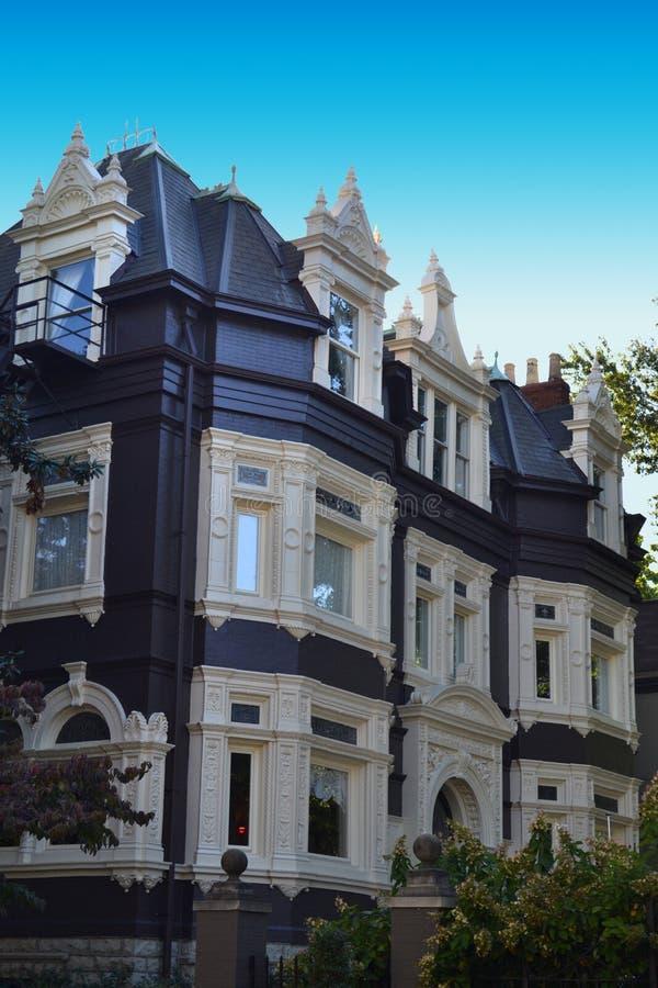 Casa in bianco e nero del Victorian immagine stock