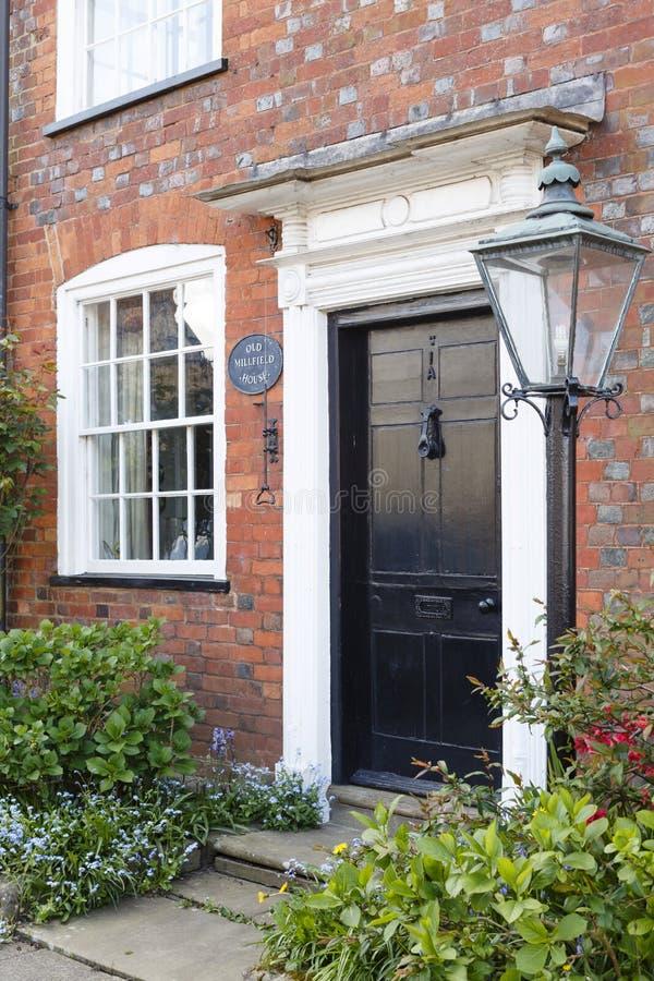 Casa británica tradicional imagen de archivo libre de regalías
