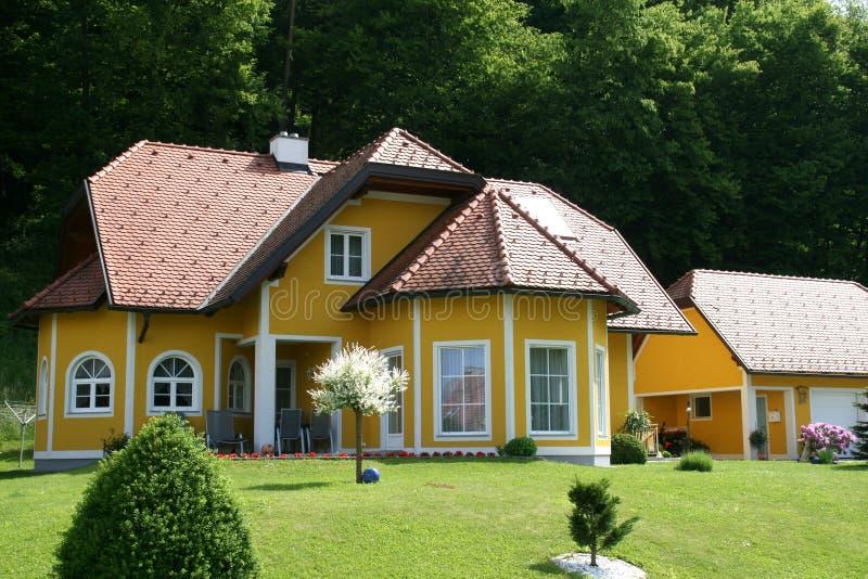 Casa, casa destacada fotografia de stock royalty free