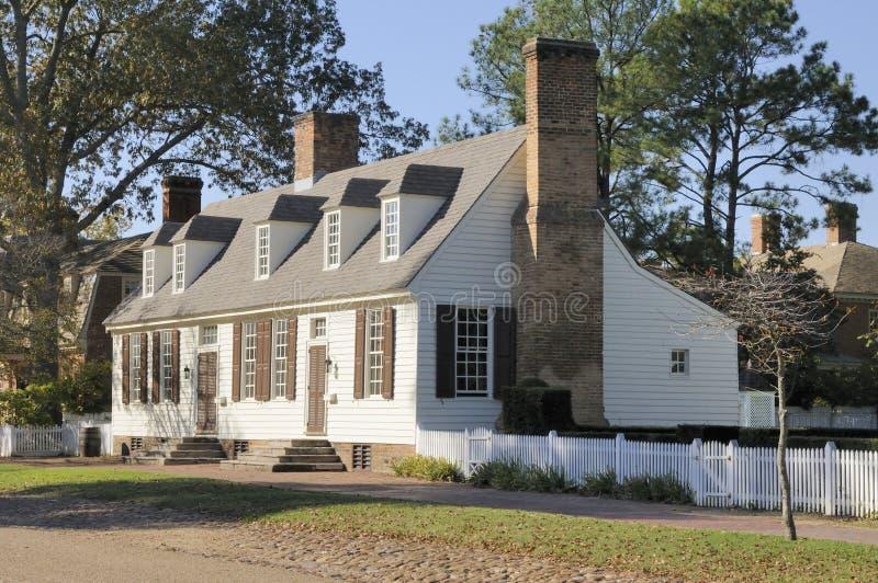Casa coloniale americana fotografia stock immagine di for Casa coloniale americana
