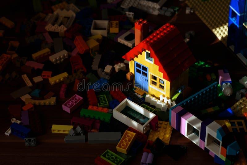 Casa colorida del juguete fotografía de archivo libre de regalías