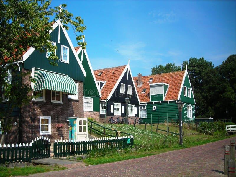 Casa colorida no Dutch fotografia de stock